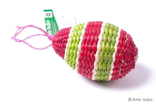 Ei aus Binsen. Rot, grün