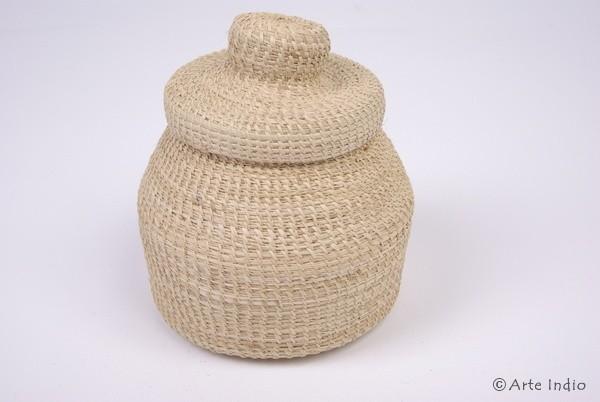 Basket with rush lid (Juncus)