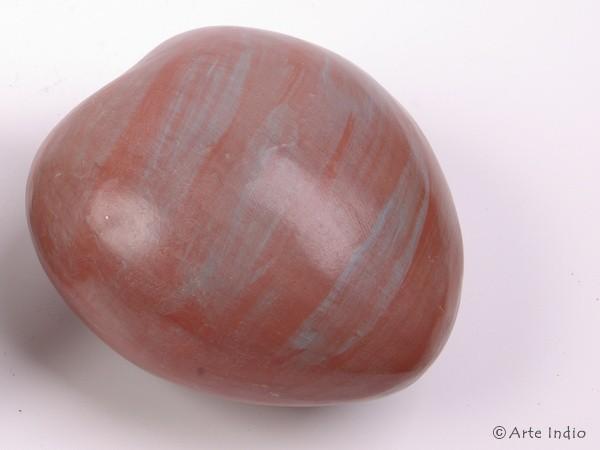 Chulucanas-Keramik. Herz rot