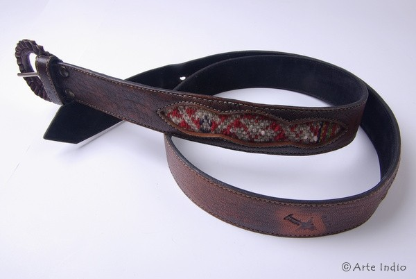Leather belt with Manta