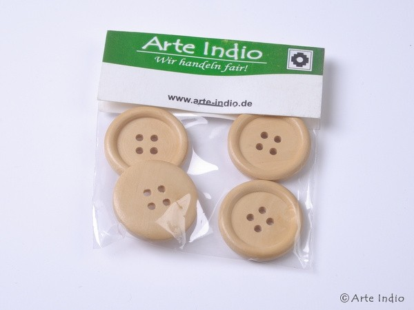 Wooden buttons. 2.8 cm. 4-pack